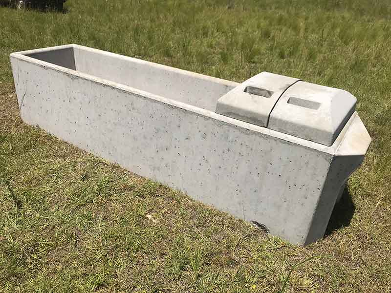 "3mt Cattle Long Trough 3mts (l) X 0.75mt (w) X 0.7mt (h) Capacity: 1000lt Weight: 1400kg Inlet: 50mm (2"") Outlet: 100mm (4"")"